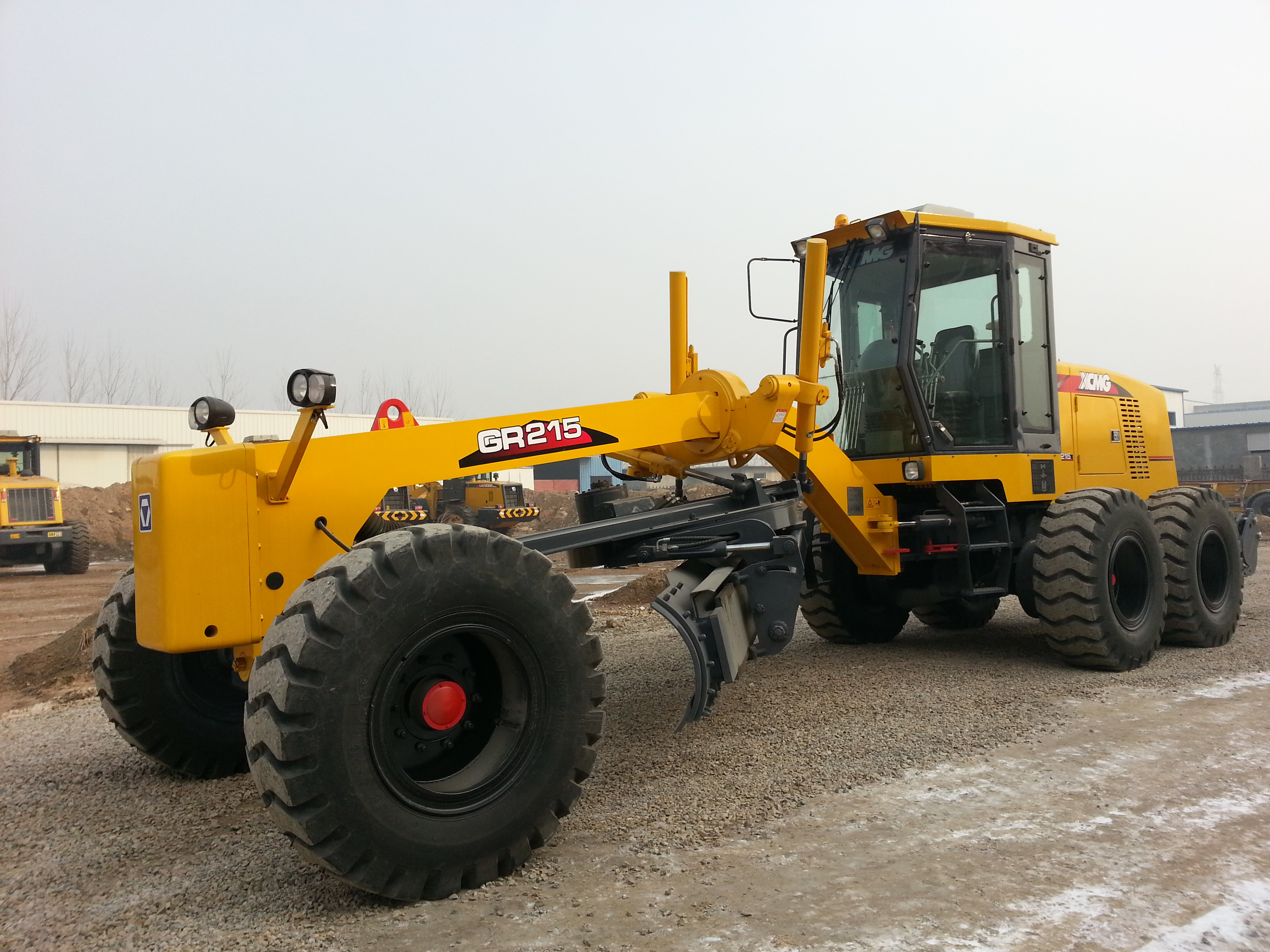 XCMG GR215 Road Construction Grader Machinery With Cummins 6CTA8.3-C215 Engine